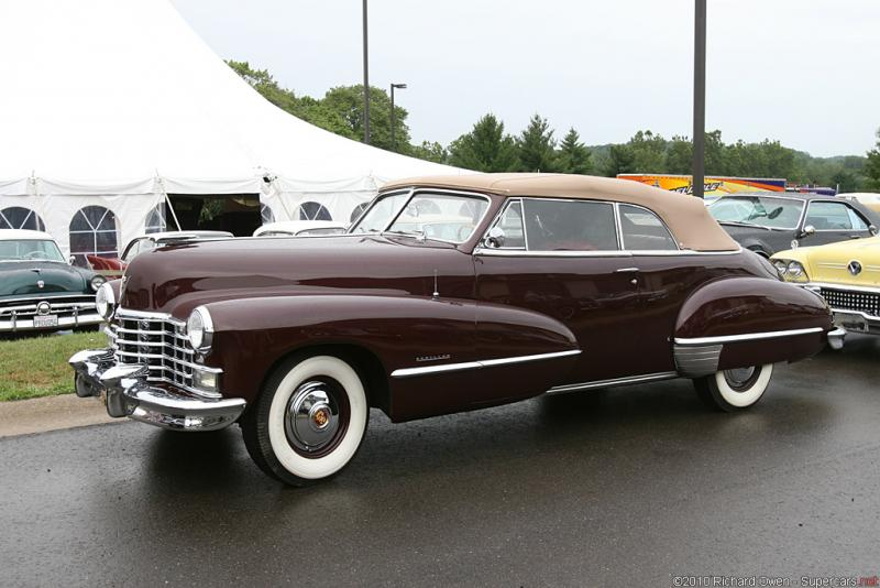 1946 Cadillac Series 62 Convertible Coupe.jpg