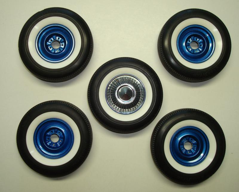 950 Painted wheels.JPG