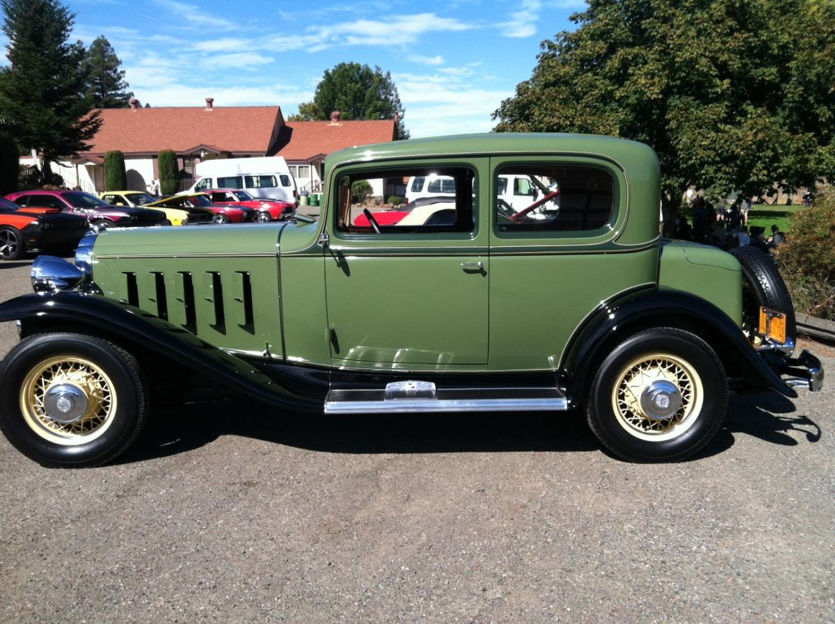 1932 Buick at the Cheese Factory.jpg