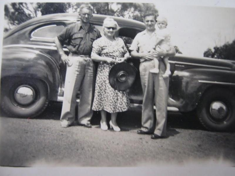 Pop, Gran, Dad and moi.JPG