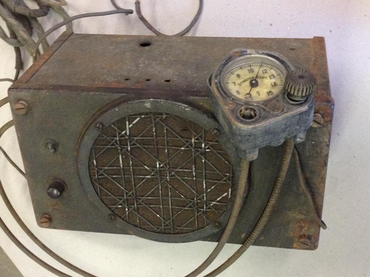 Dating old radios