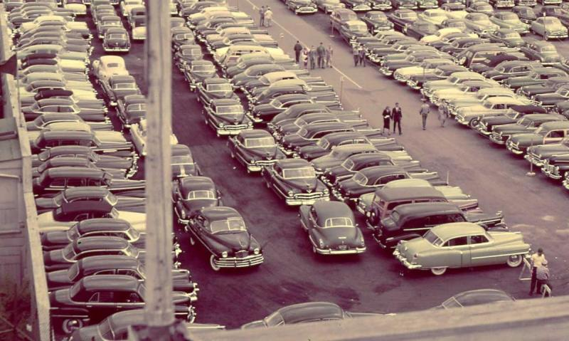 Kentucky-Derby-Parking-Lot-.jpg