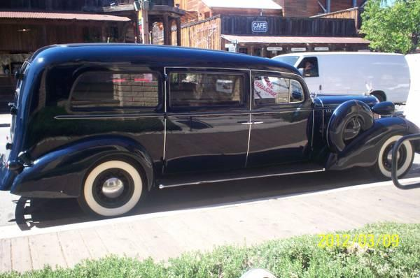 1936_Oldsmobile_Hearse_by_Henney_4.jpg