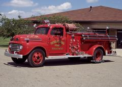 Ex-Fredericksburg OH   1948 Ford/Queen City Pumper