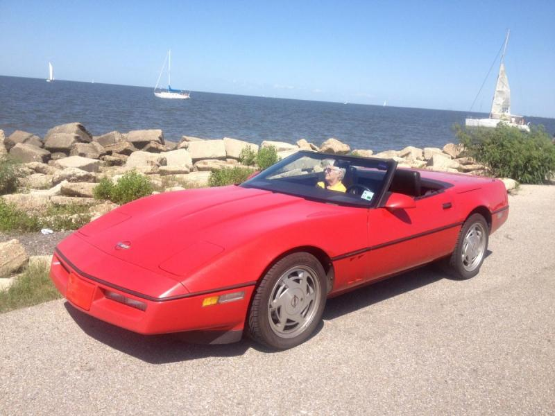 1988 CORVETTE LEFT FRONT AT LAKEFRONT.jpg