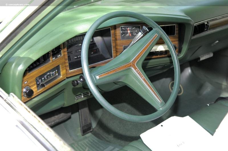73-Buick-Estate-Wgn-DV-09-GC_i02-800.jpg