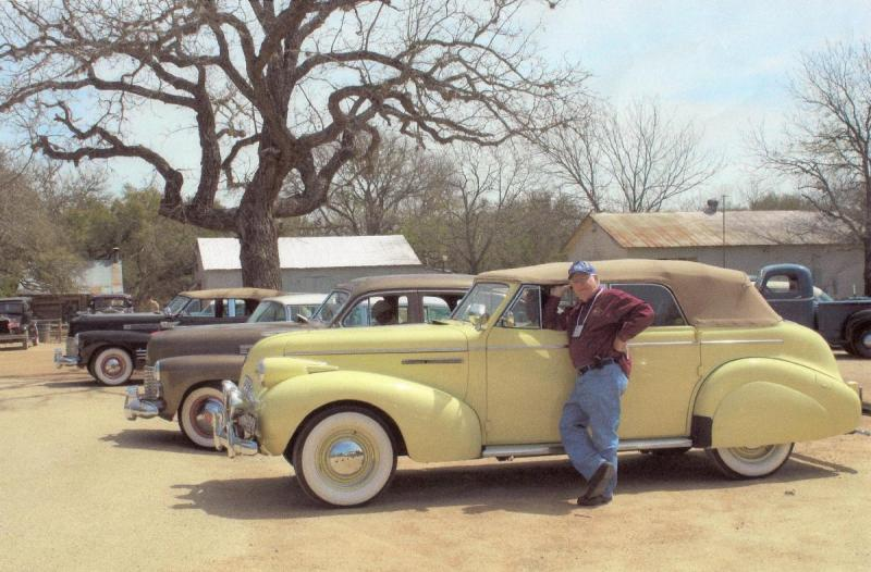 Our 39 Buick conv sed at Luckenbach, TX.jpg