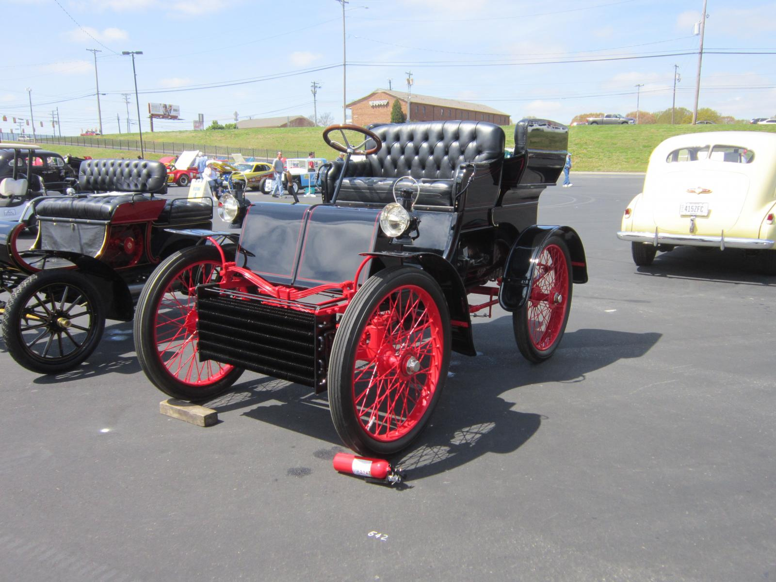 Packard 1901 Model C 1 cyl Runabout LF.JPG