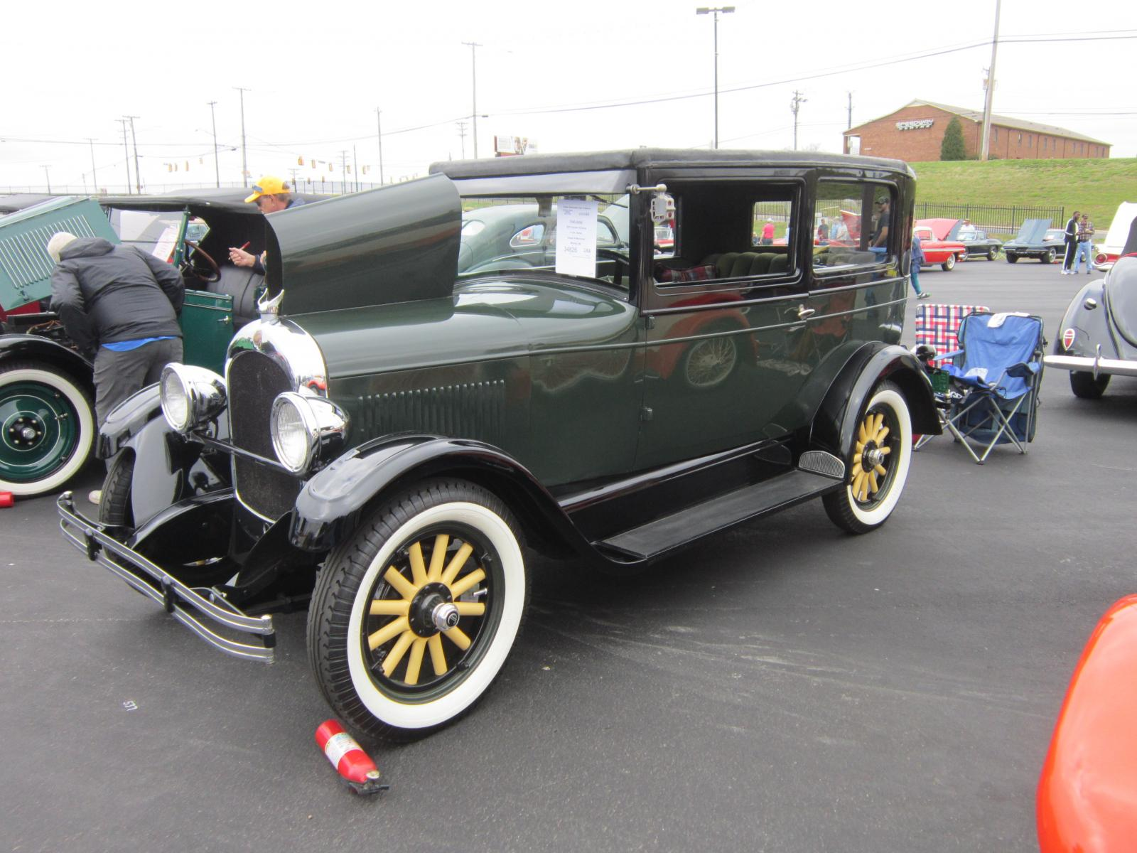 Chrysler 1928 Model 52 2-dr LF.JPG