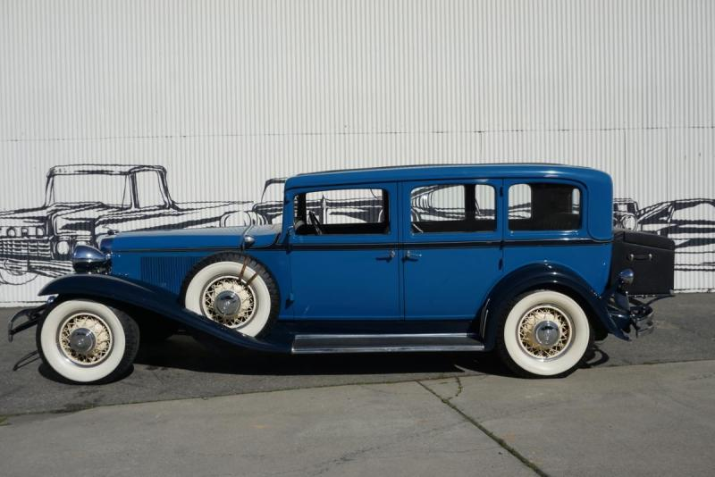 1931_chrysler_imperial_4_door_sedan_limousine_906e6c9e79.jpg