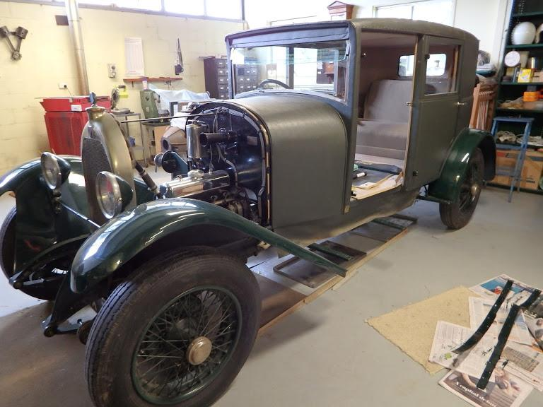 '27 Fabric bodied(Weyman) Darracq2.JPG