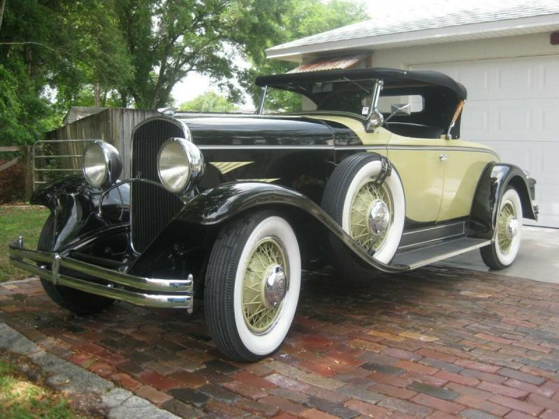 1930 Chrysler 77 Roadster (002).jpg