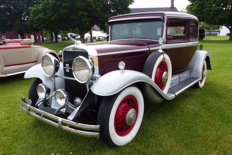 1930_Cadillac_5_Passenger_Coupe_-_Owned_by_Joe_Konarowski.jpg
