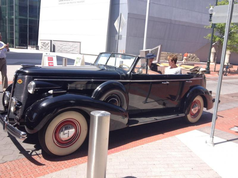 1937 Buick at WWII Museum-1.jpg