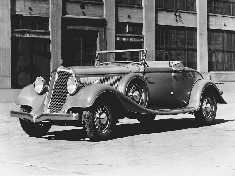 1933 Studebaker_president_eight_roadster_1.jpg