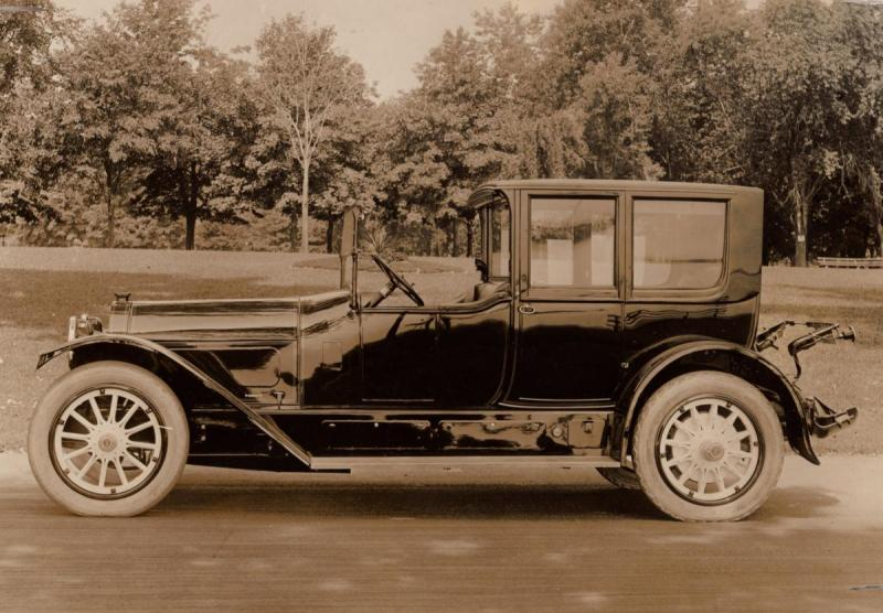 BodyType((20)  TOWN CAR - 1918 Locomobile , body by Holbrook040.jpg