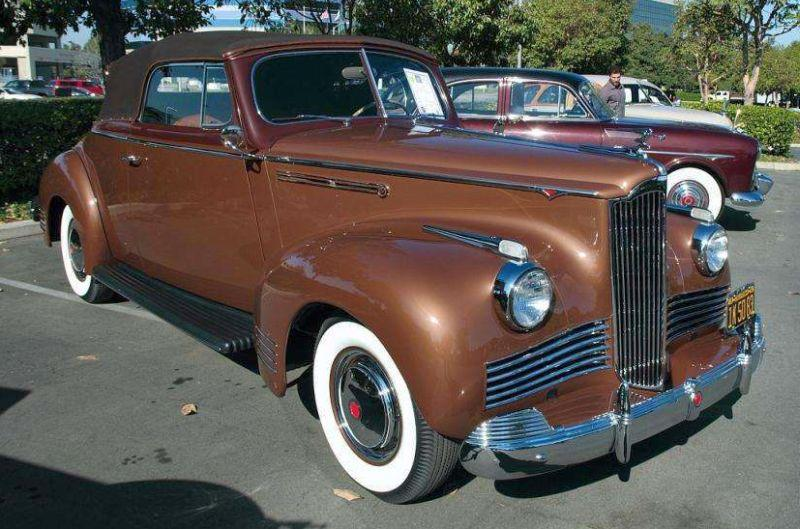 '42 Packard Six conv coupe.jpg