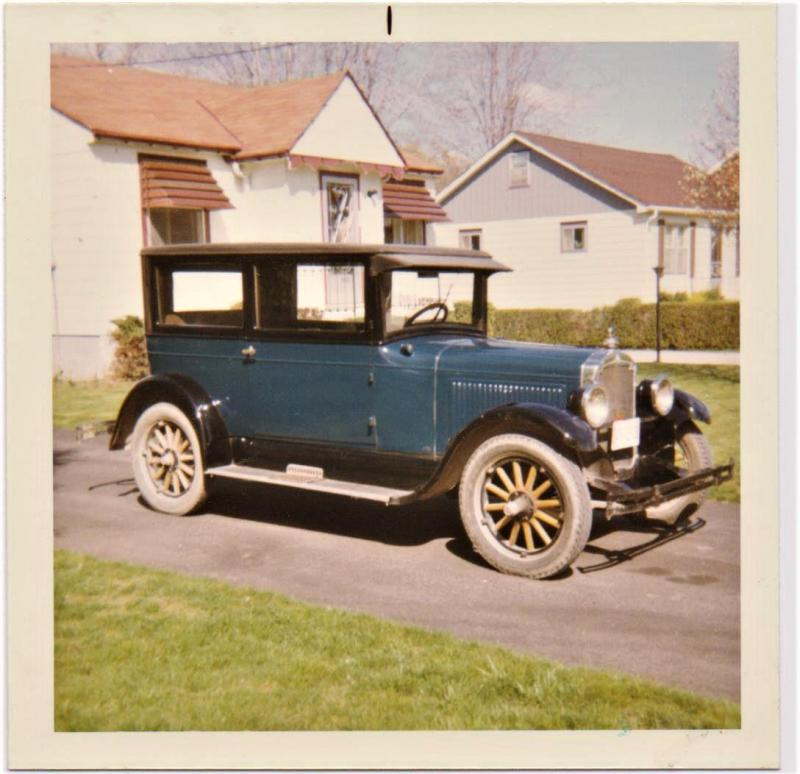 1926 Oldsmobile coach.jpg
