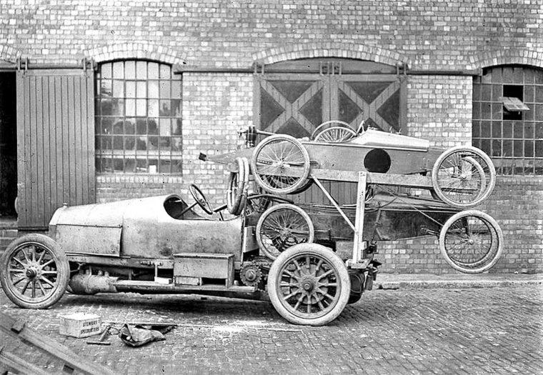 Chain-driven-mercedes-racing-cycle-car-hauler-circa-1910-760x525.jpg
