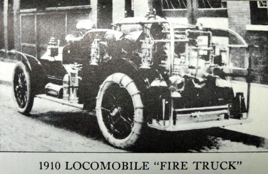 10 Locomobile fire truck  Clymer Scrapbook Nr2 p105.JPG