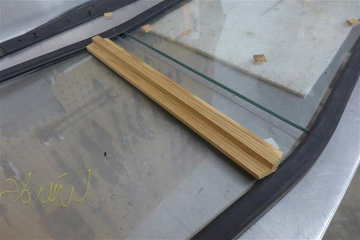 Windshield and temp center divider (Small).JPG