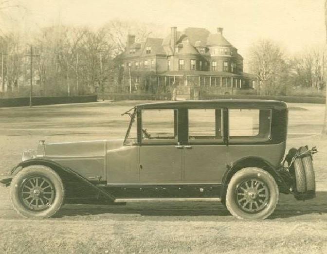 1925 Locomobile.jpg