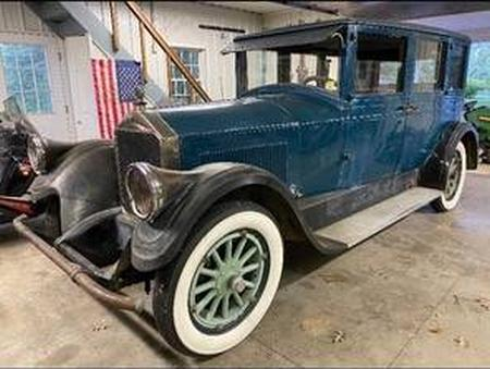 '27 Pierce-Arrow 80 sedan - PA CL.jpg