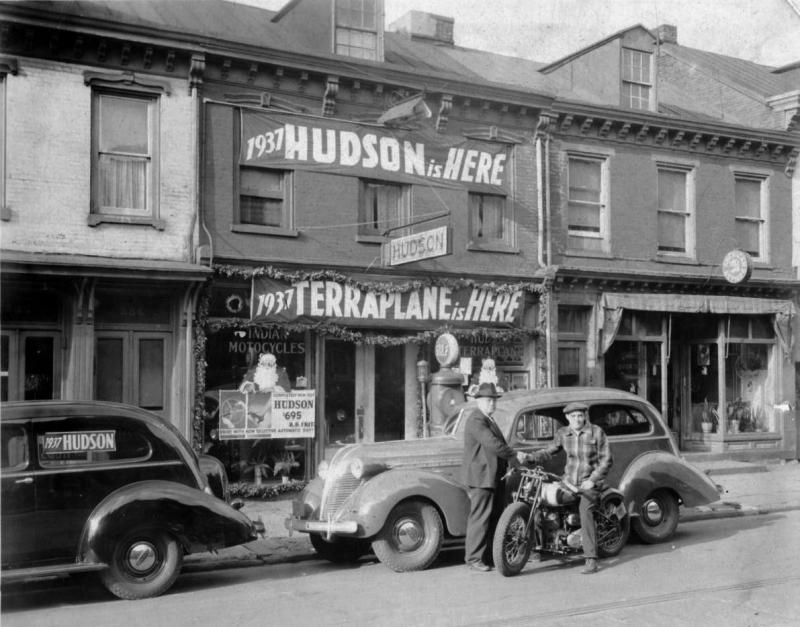 Hudson & Terraplane dealership 1937 middle of the block.jpg