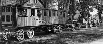 oo1913_Lombard_road_train.jpg.348884fd36097837c95f9bbc50815a14.jpg