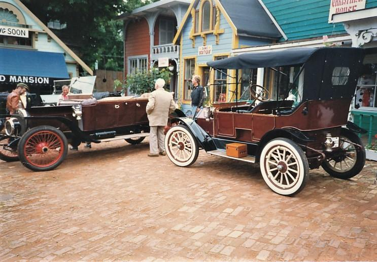 Bolam's 12 Napier and Blackstaff's 12 McLaughlin buick.jpg