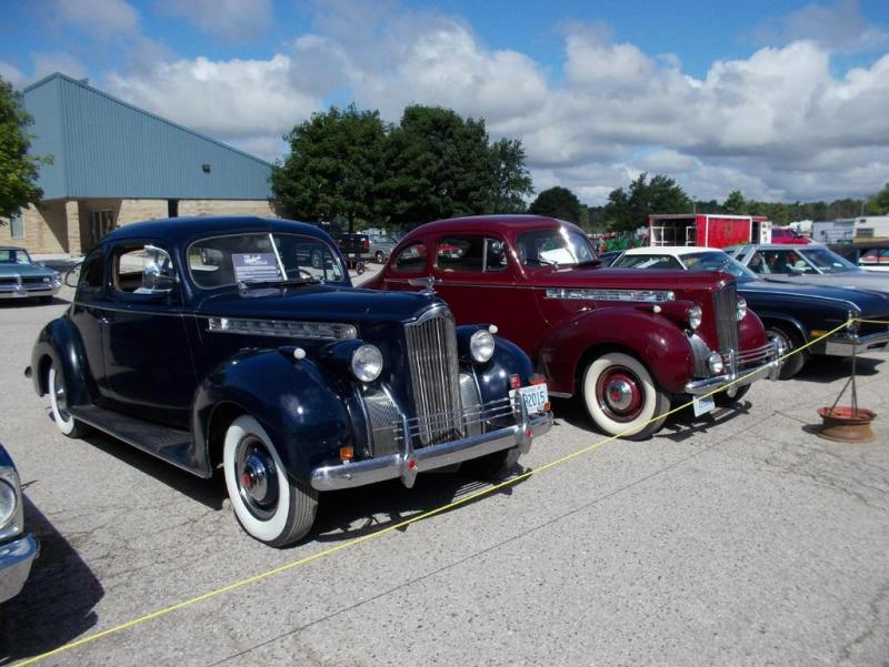 twins ! 1940 Packard 110 coupes 001.JPG