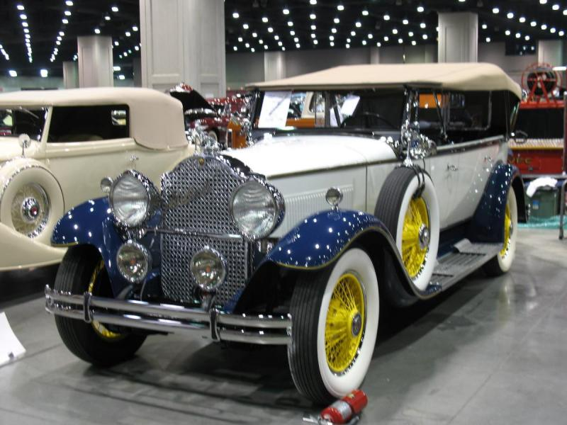 1930 Packard at louisville 75th Anniversary Meet 006.jpg