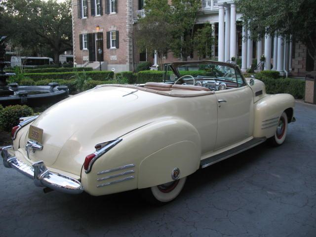 1941 Caddy at Saced Heart 11-10-2011 015.jpg