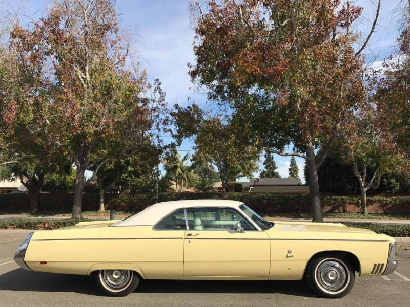 1969 Imperial coupe yellow 1.jpg