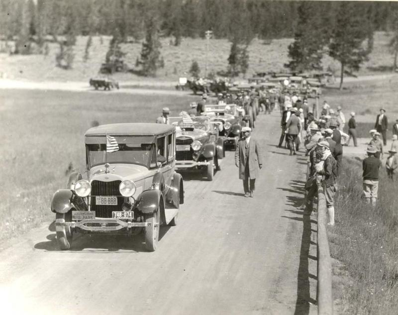 Calvin Coolidge's motorcade at Yellowstone.jpg