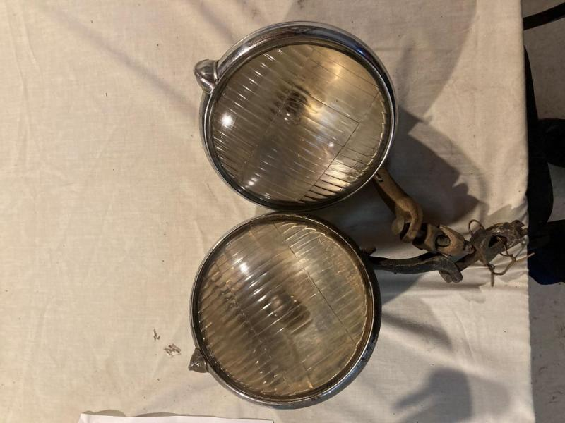 L-M-C DRIVING LAMP PAIR (EARLY) 1.jpg