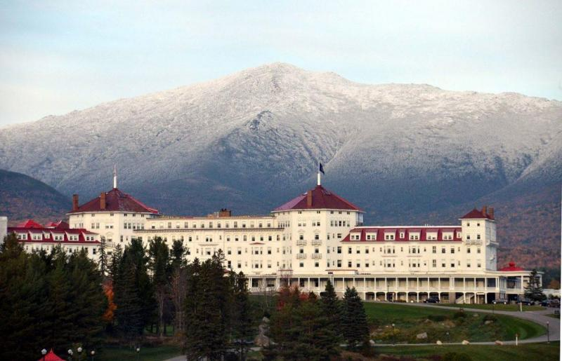 Mount_Washington_Hotel_Resort_Bretton_Woods_New_Hampshire-1170x753.thumb.jpg.926bcc7443cb40d9a0be3ffd04d5994d.jpg
