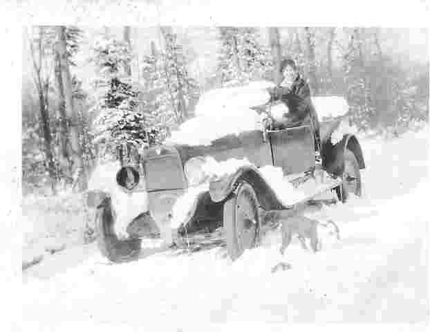 lgm-in-open-car-in-snow-old-forge-ny-acm-coll.jpg