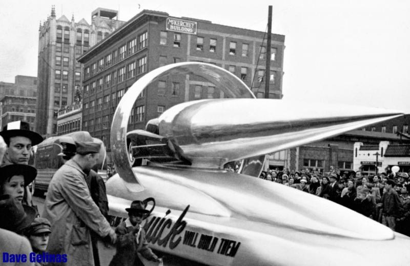 1946 Buick Parade Float - Detroit Golden Jubilee - Circa 1946 (2).jpg