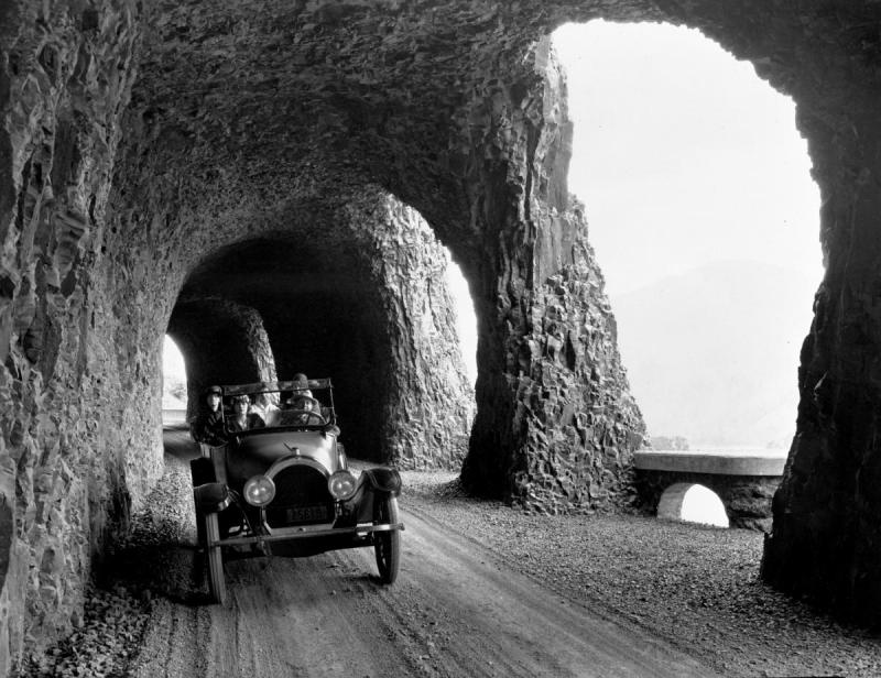 Columbia_R._Hwy_Mitchel_Pt._Tunnel_bb000005.jpg