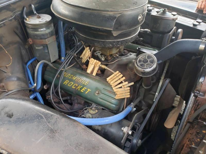 Clothespins on fuel line.jpg