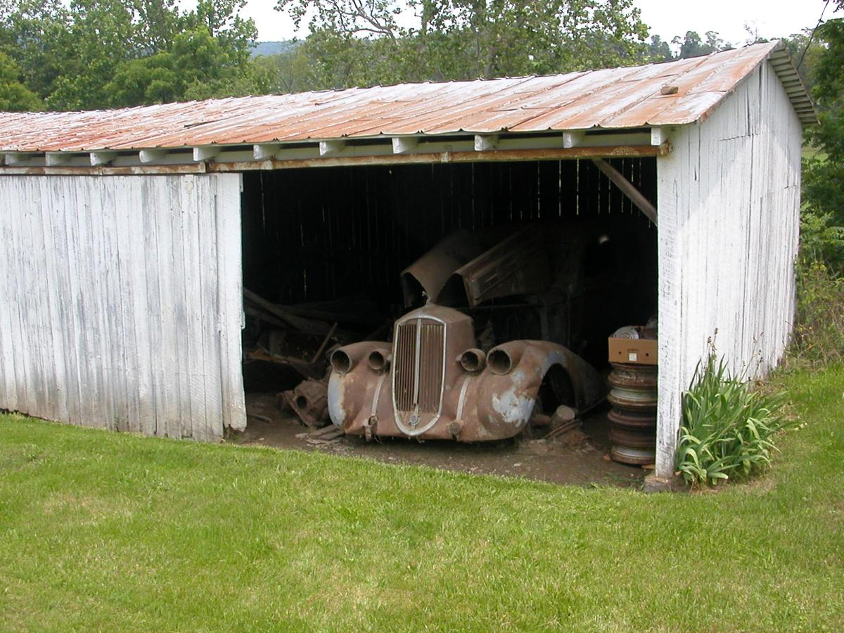 36 pierce in shed front.jpg