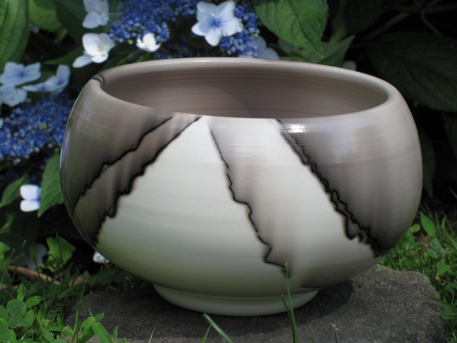 Bowl,  white stoneware, terrasig, horse hair fired