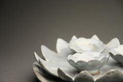 Flower bowls and plate