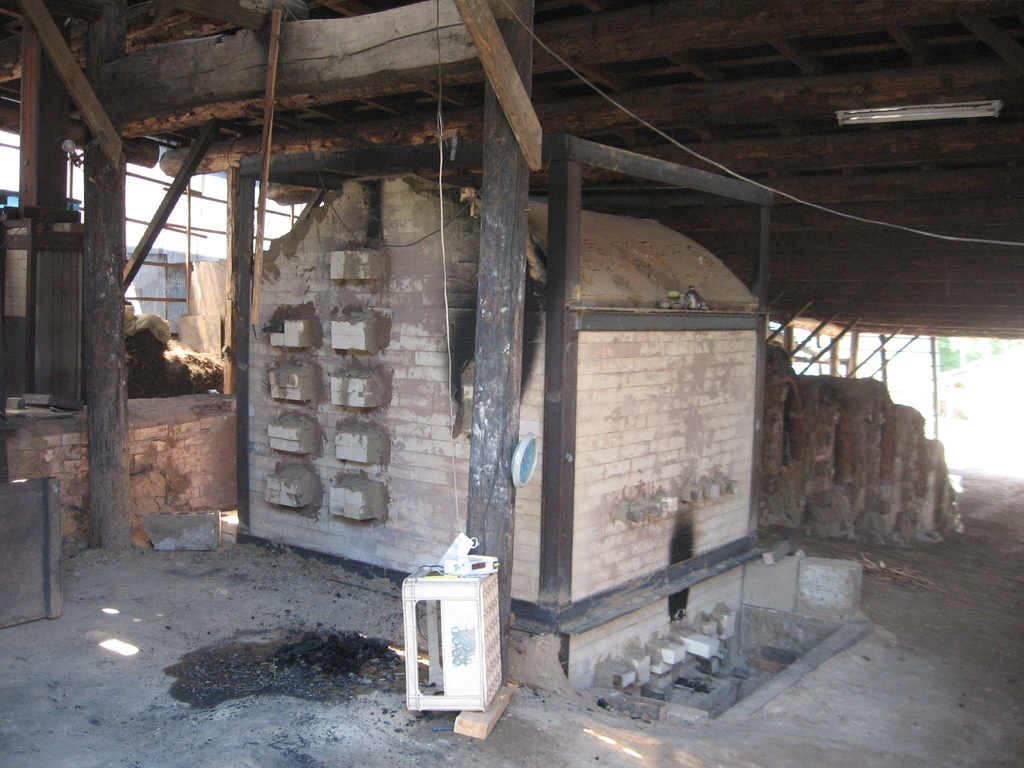 Youhen Single Chamber Wood Kiln -Japan 2006