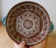 Slip Inlay Pie Plate, interior