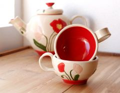 Dainty Poppy Teacups .... very dainty ... maybe too dainty ...