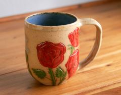 Red rose mug, back.
