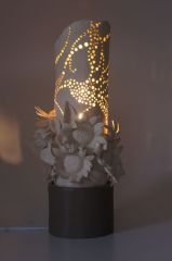sunflower-and-dove lamp