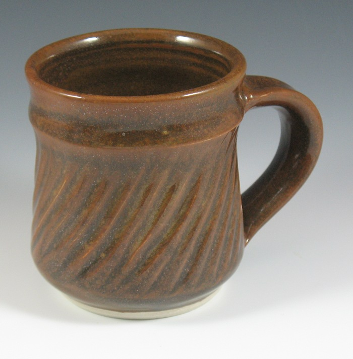 iron-red mug with fluting